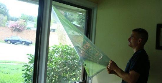 удаление пленки со стекла окна